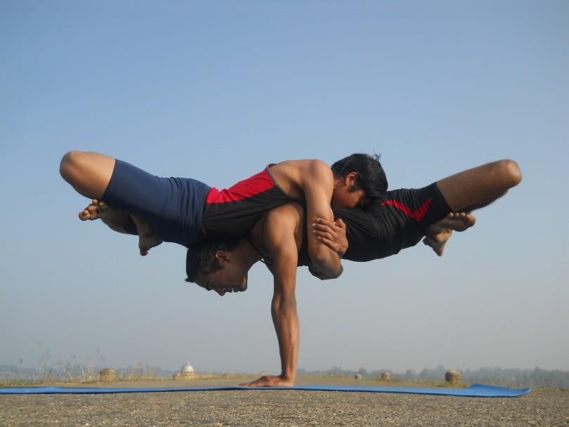 Molto Yoga Poses - Acroyoga BC13