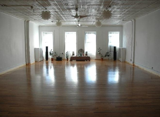Sonic Yoga Yoga Studio In New York City Om