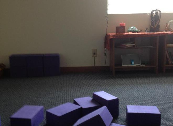 The metta center yoga studio in bellingham om for 13 salon bellingham