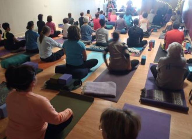 Livingroom Yoga | Yoga Studio In Emmaus - OM